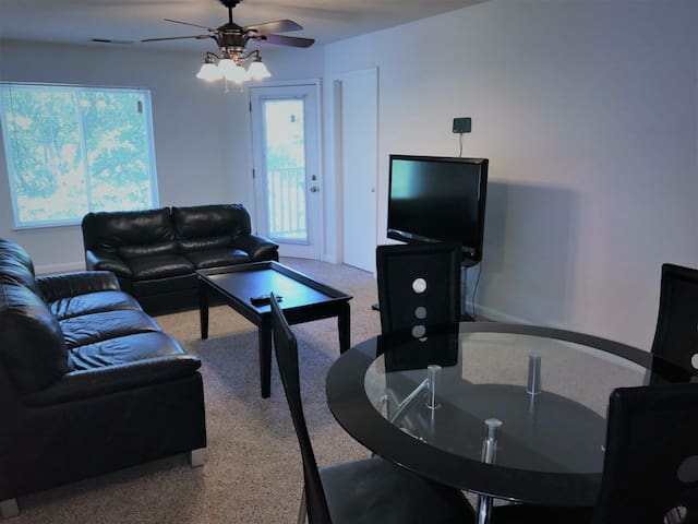 Apartment off avent ferry road and near downtown