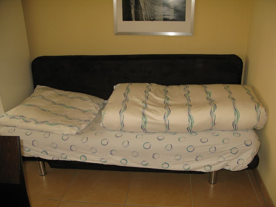 Sofa als Einzelbett / sofa as single bed