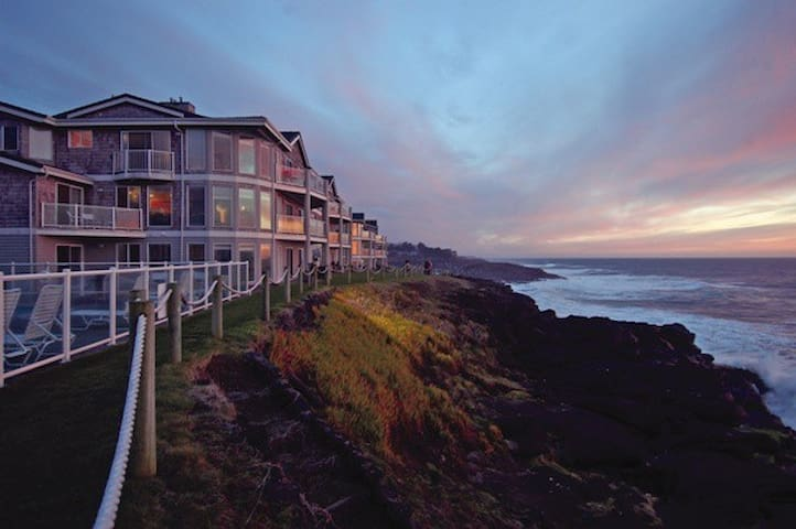 Beautiful Ocean Front Resort in Depoe Bay, Oregon