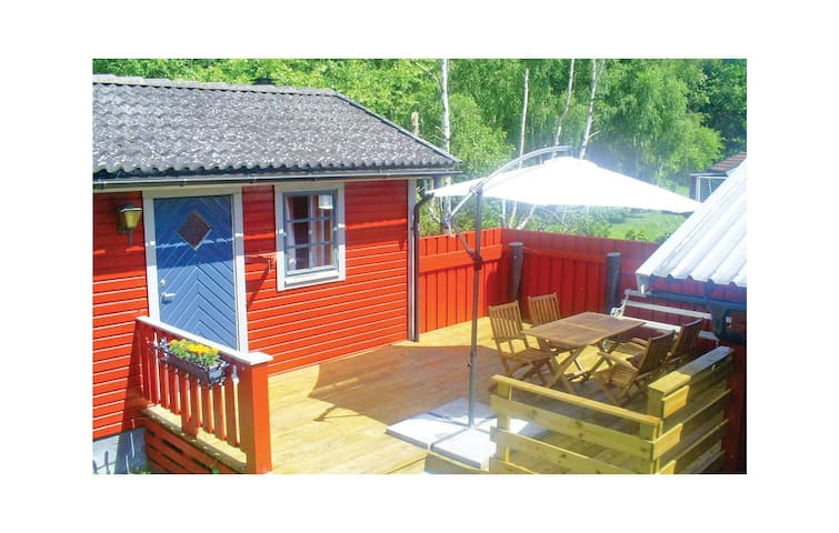 Holiday cottage with 1 bedroom on 28m² in Färjestaden