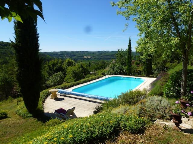 Idyllic house, amazing view & pool - Campagne - Cabaña