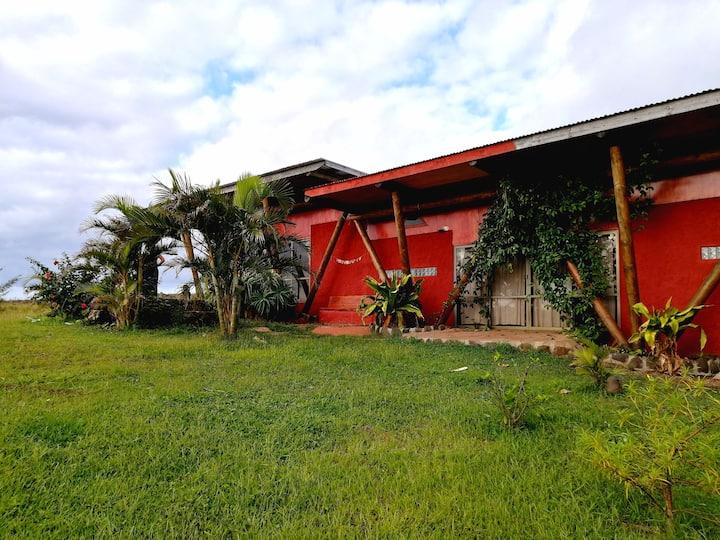 AKAPU SUNSET HOUSE - DELUXE RAPA NUI HOUSE