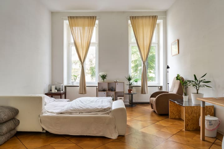 35sqm room, near Alexanderplatz