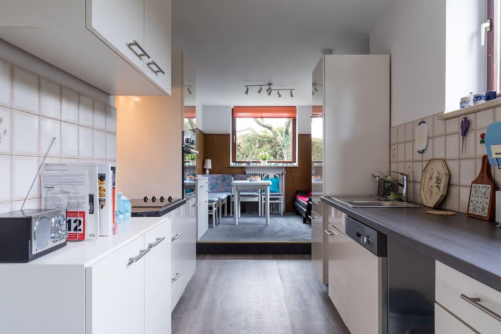 Küche mit Blick Essecke