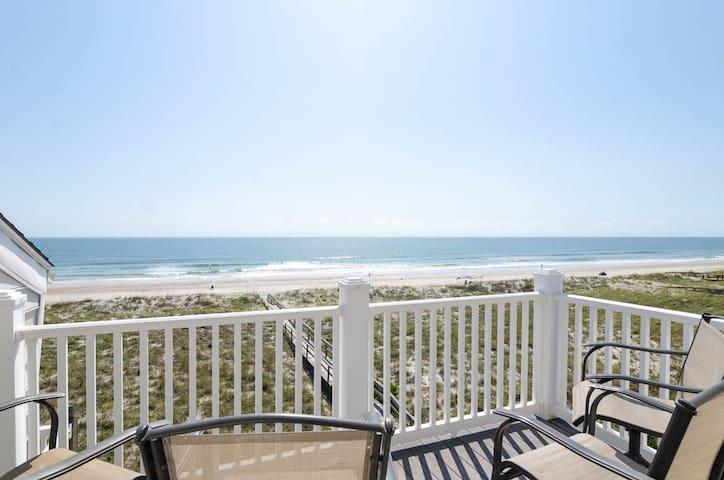Sun Bum-Top Floor oceanfront condo with fantastic views of the Atlantic Ocean