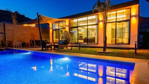 2 Bedroom Villa with Jacuzzi in Kalkan