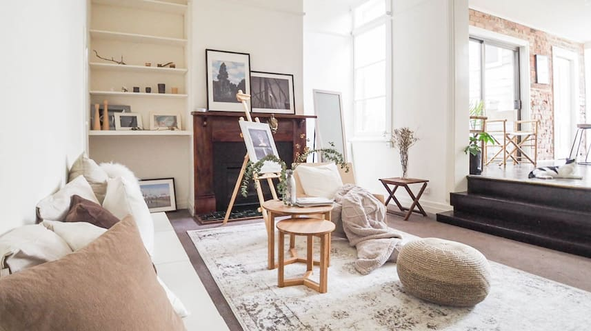 Explore Melb from a Vintage Terrace House-nearCBD