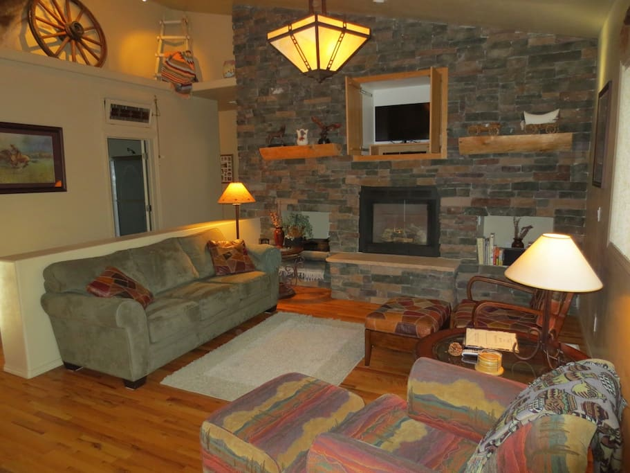 Large Living Area with Gas Fireplace, TV and Comfortable Furnishings