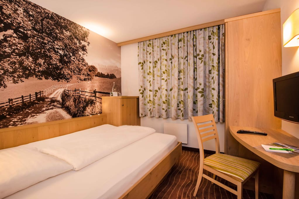 zell am see divorced singles personals Your holiday in the austrian alps begins here – in zell am see und kaprun   you can experience these 'personal touch' qualities directly with the property.