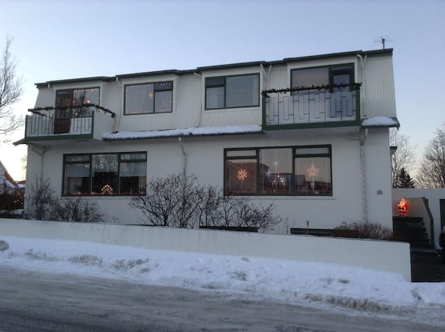 Two rooms with a separate entrance - Reykjavík - Pis