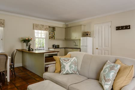Luxury cottage in prestigious Estate - Cape Town - Gæstehus