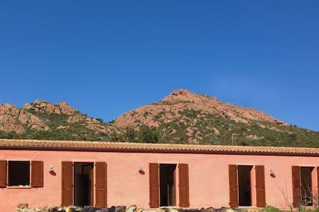 Lo Stazzu Rosa - casa tradicional - Scupaggiu