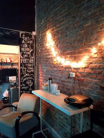 Hab. Compartida Femenina 4 Camas Club & Bar House