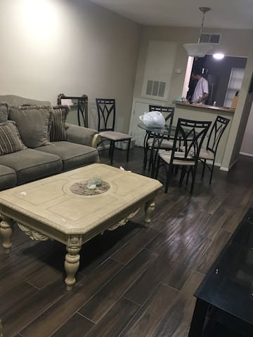 Condo!! 10 Minutes from New Orleans - Metairie - 公寓