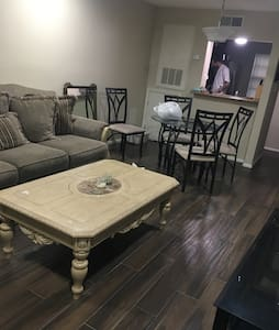 Condo!! 10 Minutes from New Orleans - Metairie - Apartemen