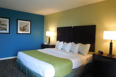 Room with two Queen Beds, Private Balcony/Bay View