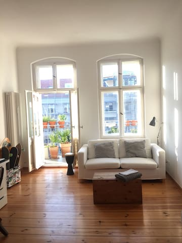 Light & beautiful room next to Mauerpark Berlin