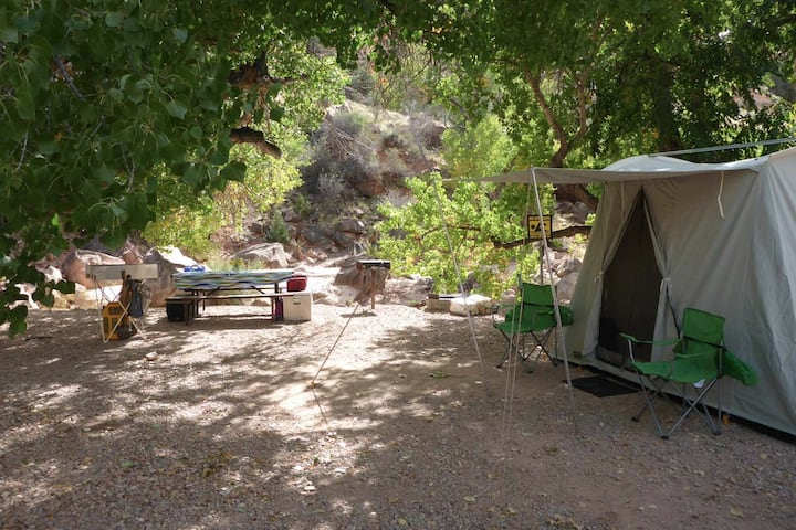 Zion Camping Rental -Tent & camp kitchen equipment