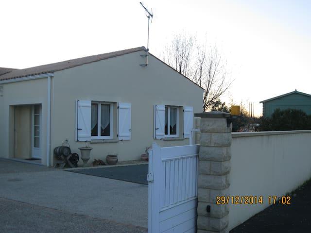 LOUE STUDIO - Tonnay-Charente