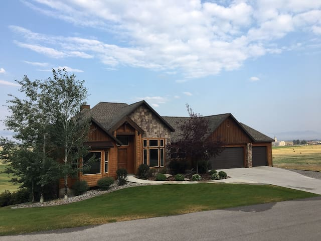 Star Valley Wyoming golf course luxury with a view
