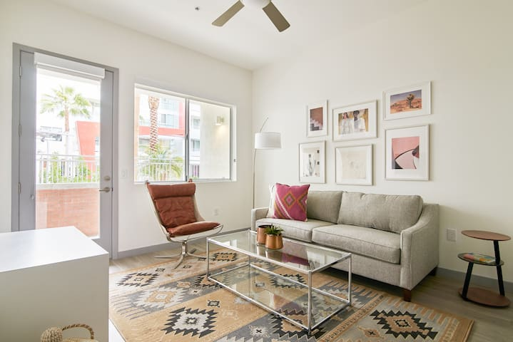 Sonder | Central Corridor | Charming 1BR + Pool