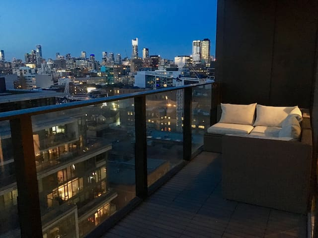 KING WEST GEM WT PRIVATE TERRACE - Toronto - Appartement en résidence