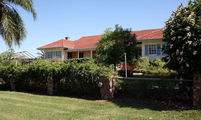 Rossmar Park Homestead, Quirindi - Caroona