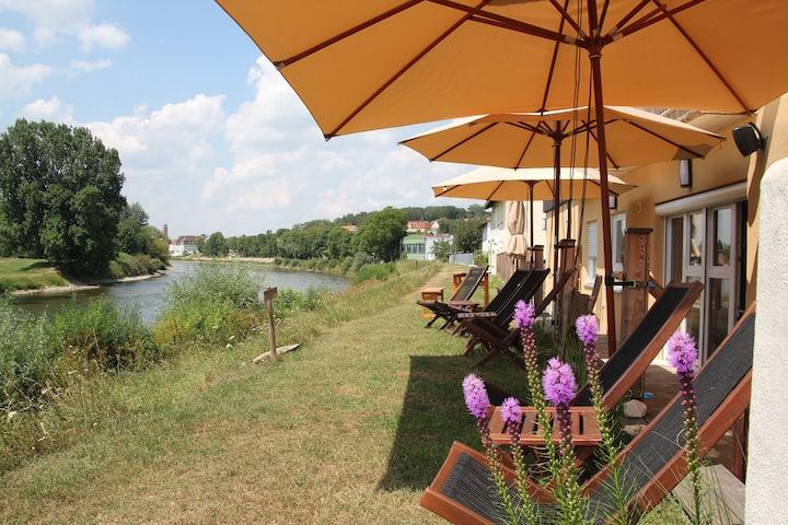 """Danubio- an der Donau am """"alten Donauhafen"""" -Suite"""