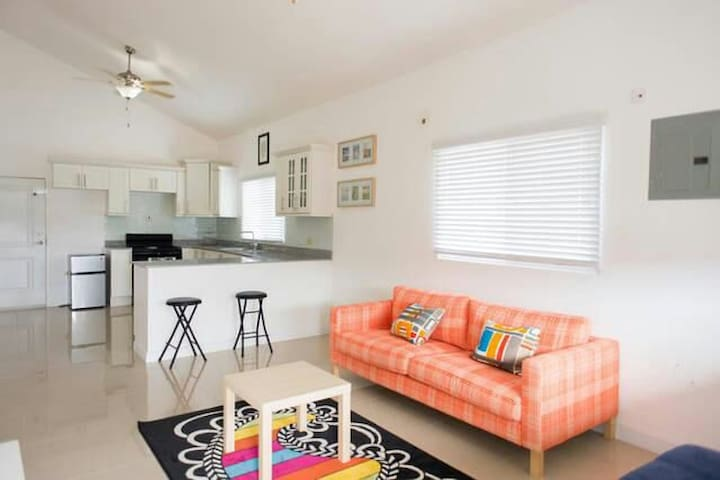 Beautiful, spacious and comfortable - Portmore - House