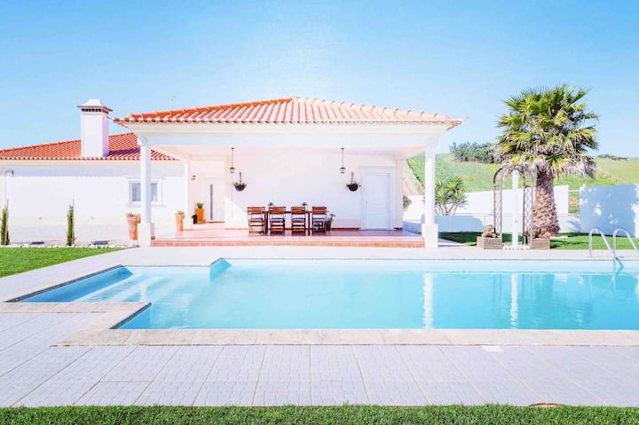 Villa with Pool&Games near Lisbon-Ericeira