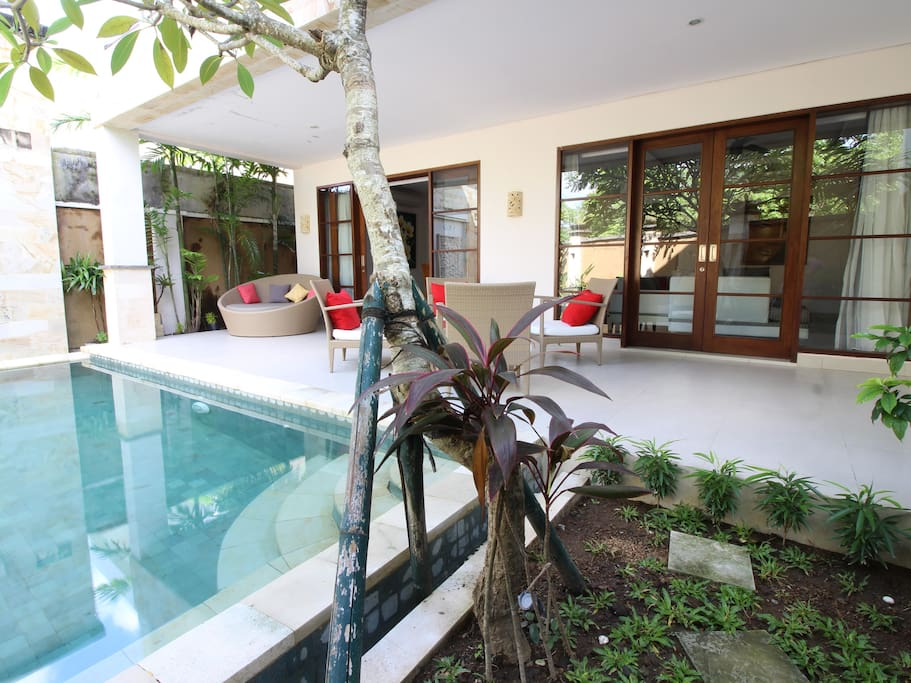 nusa dua senior dating site Conrad bali offers 5 star luxury while staying in bali  senior rate  government  an award-winning luxury resort located on the coast of nusa dua at tanjung benoa.