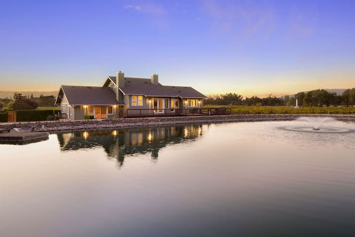 Wine County Escape with pool, hot tub, outdoor kitchen and vineyard views!