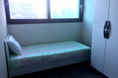 Large, modern apartment, 1 single bed - Wonju-si - 公寓