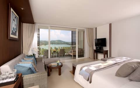 Elegant Suite with large balcony on Private Beach