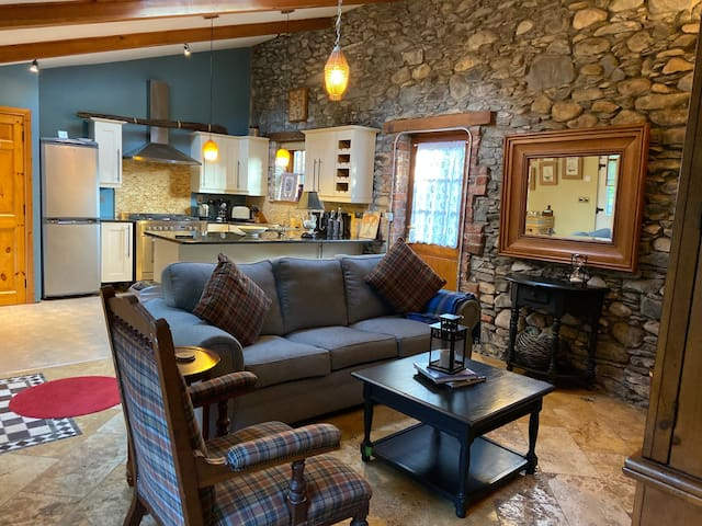 A Cozy One Bedroom Cottage - The Priory