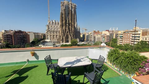ABSOLUTE SAGRADA FAMILIA