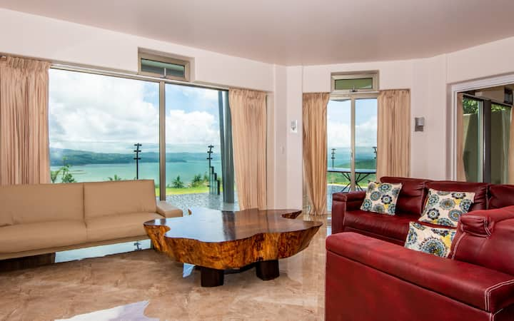 BEAUTIFUL CONDO SUITE 3B/2B IN LAKE ARENAL