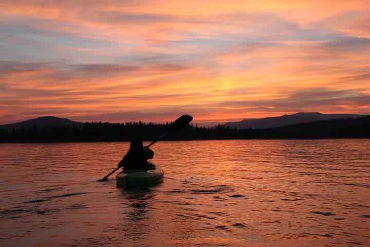 Lovely sunset views - Diamond Lake