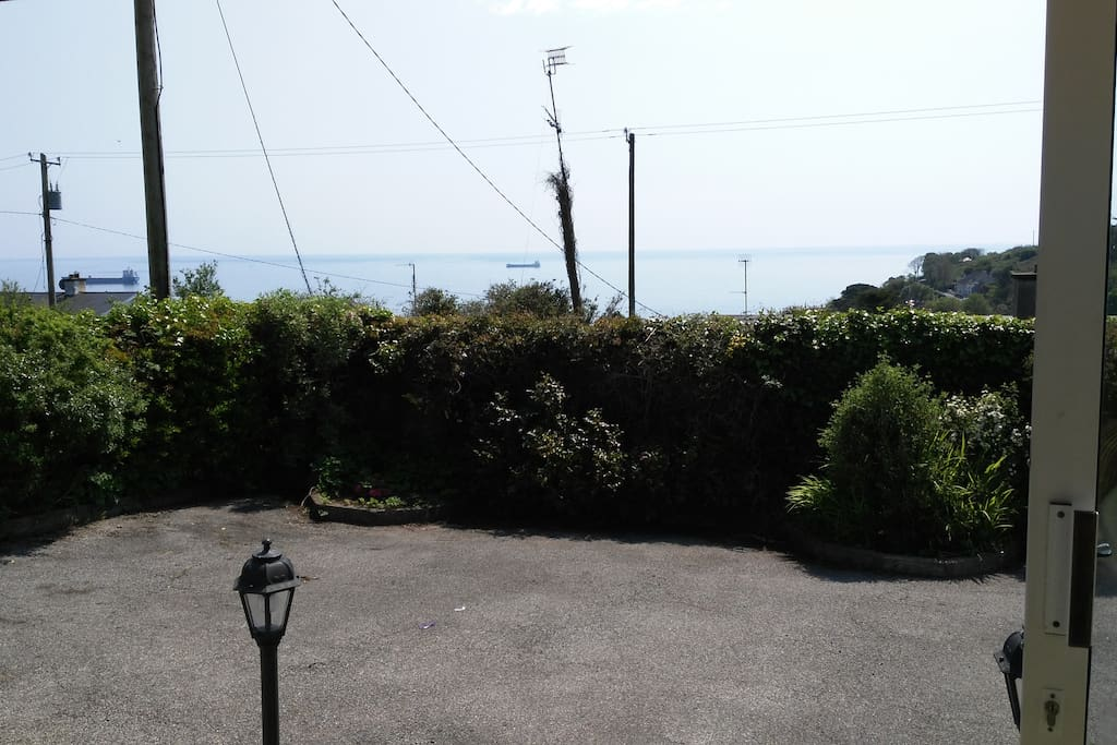 Beautiful sea views from front of house. Plenty of parking space and a double gate can be kept closed for privacy and to feel extra safe with children playing.Full size basketball hoop also available.
