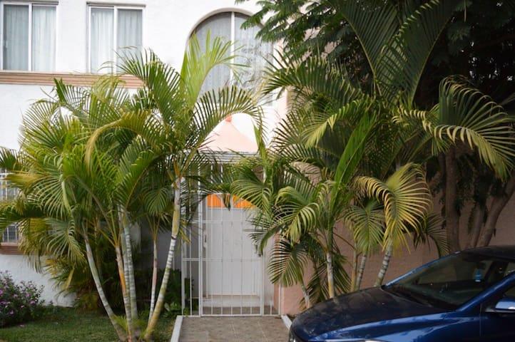 Hermosa casa cerca de Jardines de México, Cuernav.