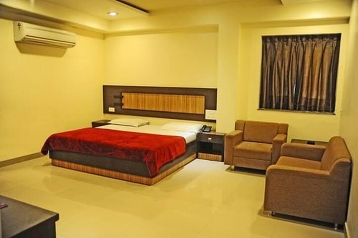 Best Stay location Near Dargah