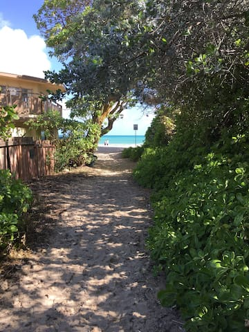 Beautiful, Bungalow steps to Beach! - Kailua - Casa