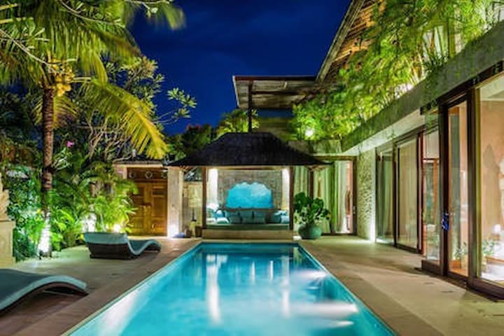 DREAM VILLA - 4 Suite Rooms - 100 Mts Berawa beach