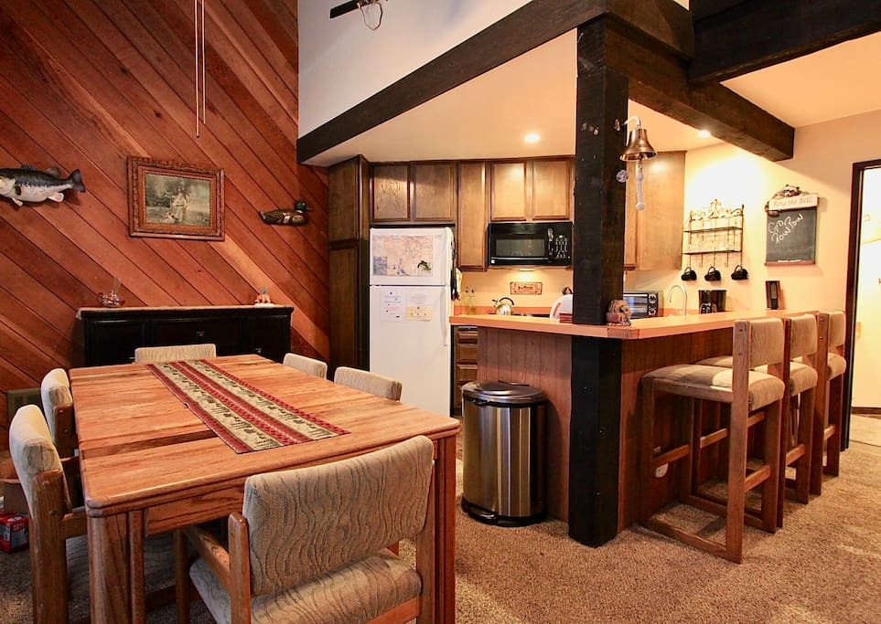 Large dining space, bar stool seating and nice kitchen space.