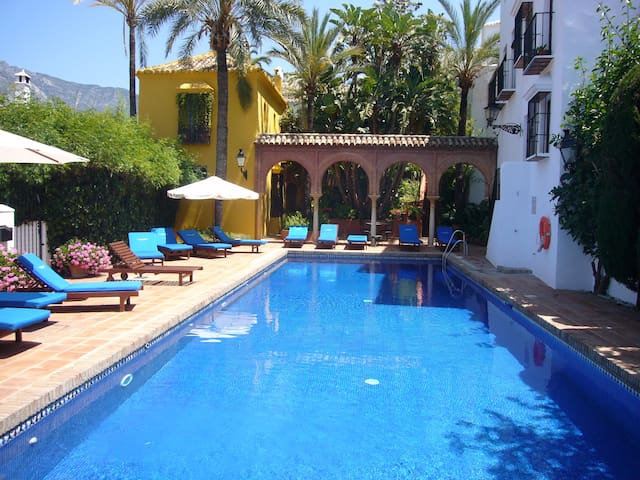 Nice Andalusian house in the heart of Golden Mile - Marbella - Huis