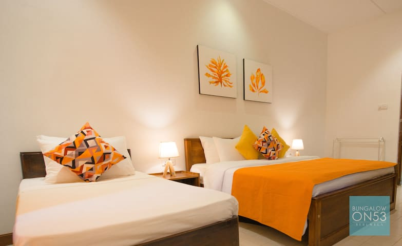 Comfy Triple Bedroom with ensuite bathroom. High Quality linen and soft pillows