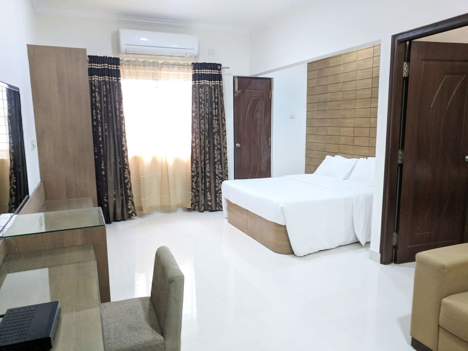Living room & extra bed