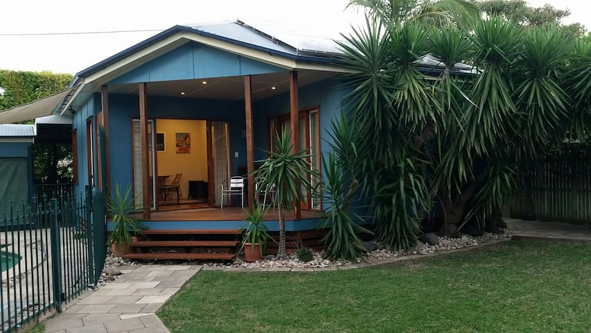 One-bedroom guest house in Graceville