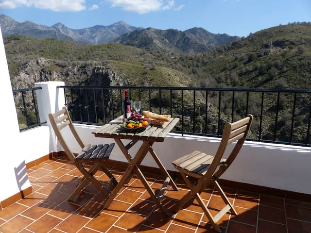Attractive 2-bedroom apartment - Frigiliana - Appartement