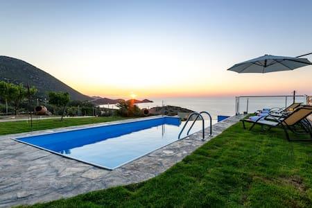 Traditional Cretan Style Villa - Bali